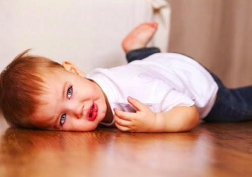 Kai vaikas griūna ant žemės isterikuodamas - ar ignoruoti?