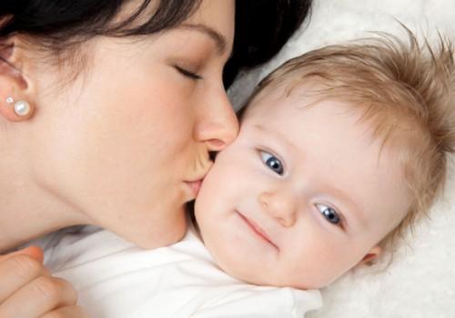 Ar galima mamos pienu gydyti kūdikio slogą?