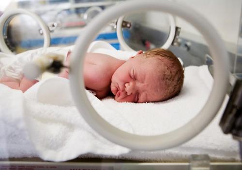 3 dalykai, ką gali padaryti, jei kūdikis pilvelyje kojomis pirmyn