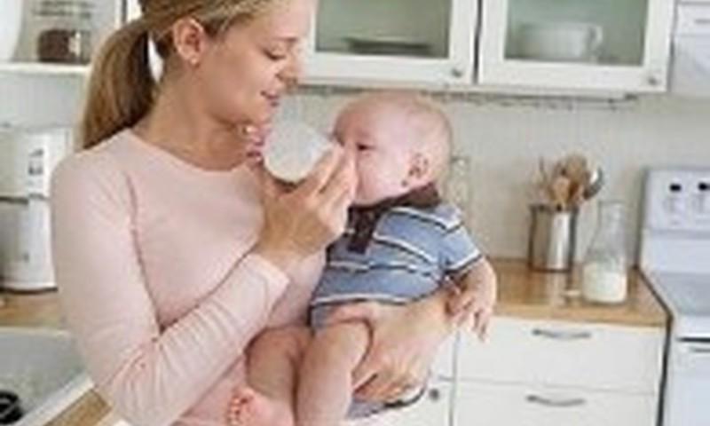 Kokiais atvejais reikėtų sunerimti, jei kūdikis atpila