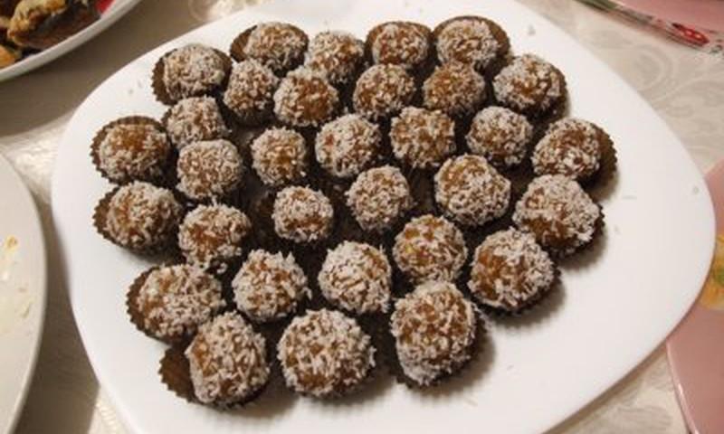 VASAROS SKONIAI: Džiovintų abrikosų saldainiukai