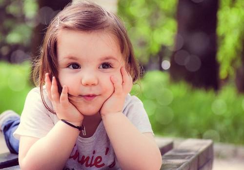 Kaip padėti vaikui išmokti atskirti dešinę nuo kairės?