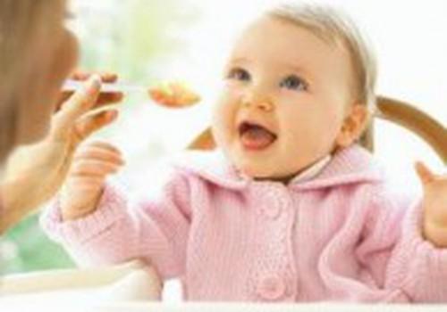 Neonatologė: Papildomas maitinimas - mamos kūrybinis laikotarpis