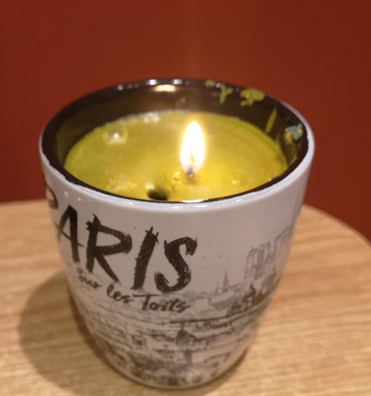 Žvakė iš vaškinių kreidelių likučių