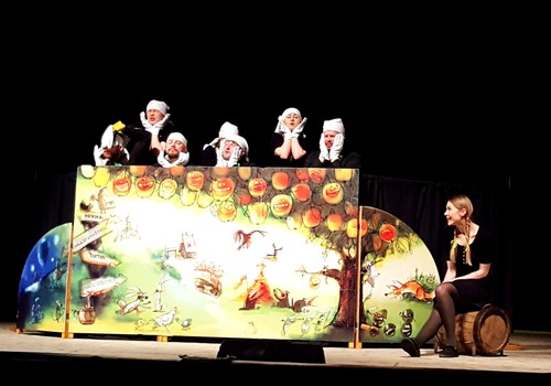 BROLIUKŲ PAVASARIS: Pirmasis kartas spektaklyje