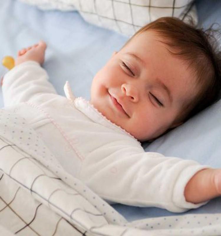 Kokia antklodė tinkamiausia mažyliui?
