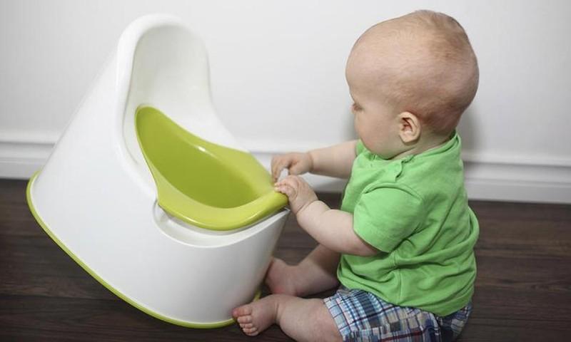 7 priežastys, kodėl mažylis atsisako sėstis ant puoduko