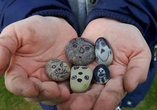 Augustės dienoraštis: nepaprasta trauka paprastiems akmenims