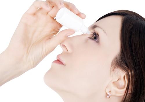 Sausas akis gydantys lašai jas gali dar labiau išsausinti