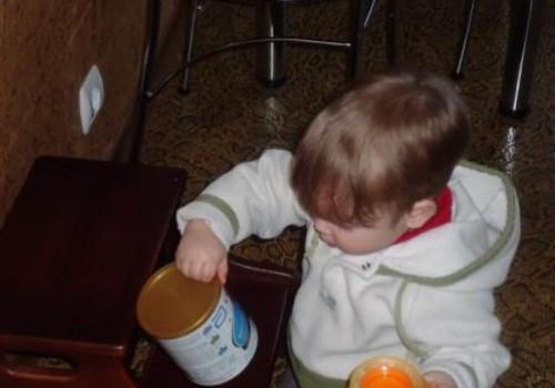 Matukas Similac mišinuką gėrė su apetitu!