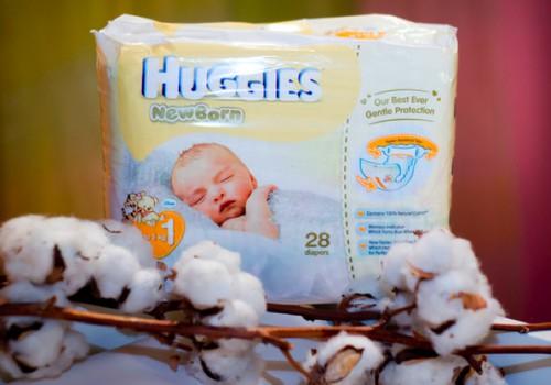 Dienos žaidimas: Huggies® Newborn su specialia kišenėle, saugančia nuo pratekėjimų