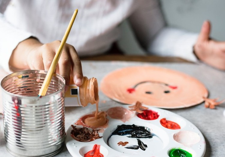 Ką veikti su vaikais lietui lyjant: 5 kūrybinių žaidimų idėjos