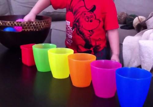 9 smagūs žaidimai, kaip vaikus išmokyti spalvų