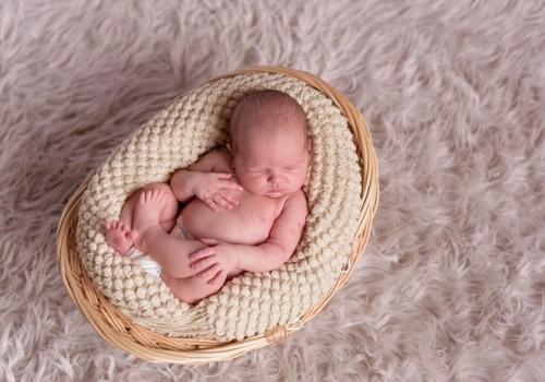 4 galimos priežastys, kodėl naujagimis prastai miega