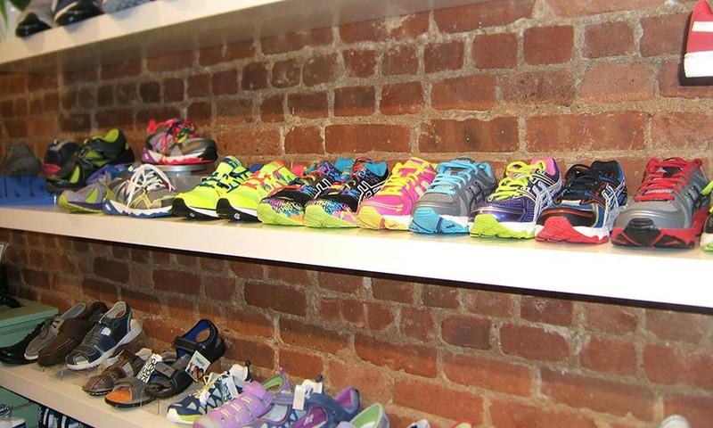 Kaip išrinkti vaikui tinkamiausius batus?