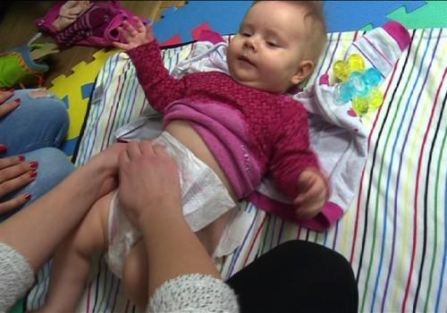 VIDEO: Kaip padėti kūdikiui verstis?