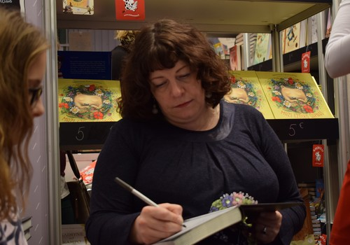 Rašytoja Neringa Vaitkutė: grįždama iš Knygų mugės parsinešu laimingo žmogaus šypseną