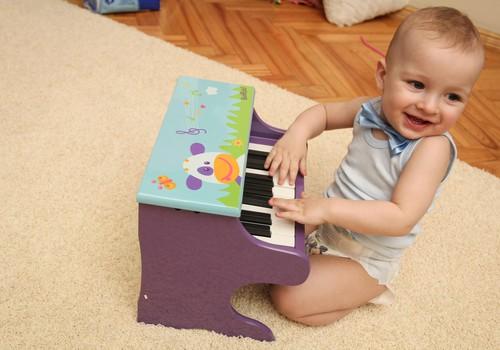 Kaip mokyti berniuką šlapintis - sėdint ar stovint?