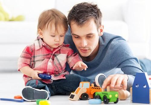 Edipo kompleksas. Kaip tai turėtų priimti tėčiai?