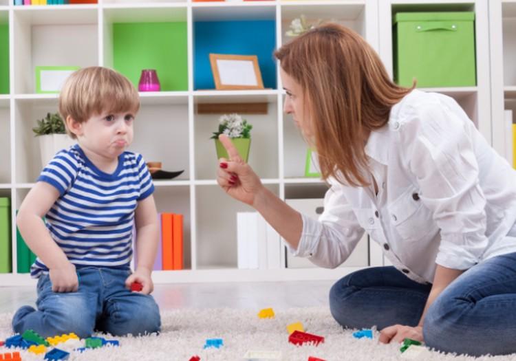"""Vaikas """"veda iš proto""""? Psichologės patarimai"""