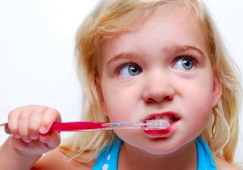 Klausk odontologo: Ar bendrinė nejautra saugi vaikui?