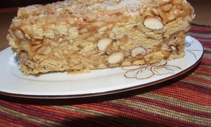 Tetos Danutės obuolių ir sausainių tortas