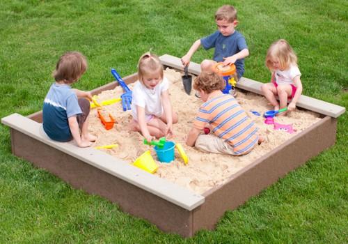 Specialistas: užsikrėsti parazitais vaikas gali ir smėlio dėžėje