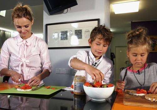 TV Mamyčių klubas 2018 05 27: pirmasis vizitas pas odontologą, kaip rengsime vaikus vasarą, burbulų gamyba ir skysto omleto receptas