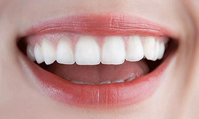Sukurtas pleistras, saugantis nuo dantų gedimo