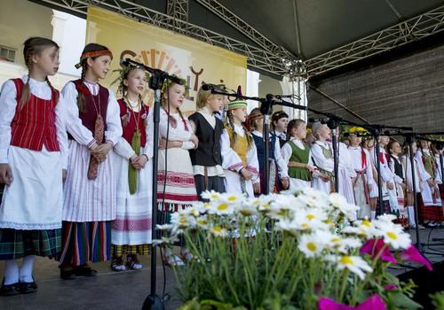 """Kviečiame į tarptautinį folkloro festivalį """"Skamba skamba kankliai"""""""