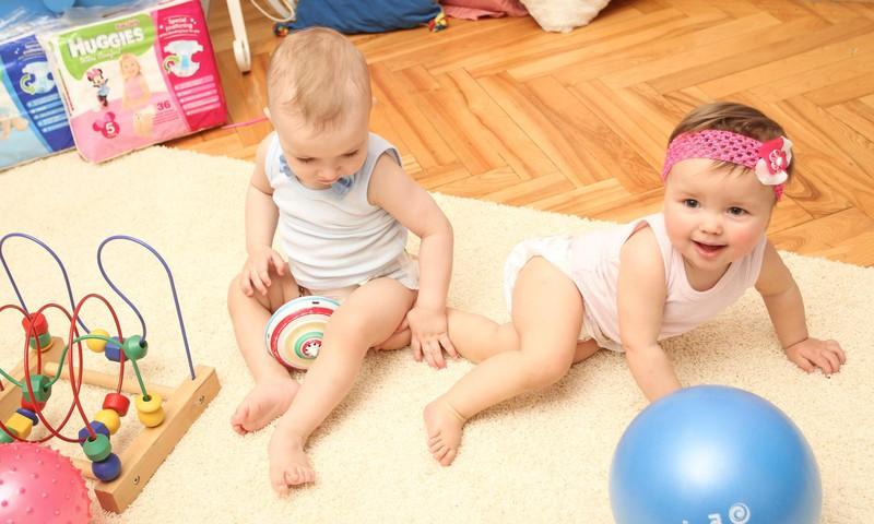 Vaikas gėdijasi nuogo kūno? Tai susiformuoja kūdikystėje