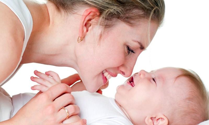 """""""Magiškas"""" mamos ir kūdikio ryšys: kaip jį stiprinti?"""