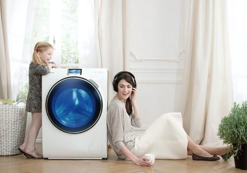 Į pagalbą mamoms - išmaniuoju telefonu valdoma skalbyklė