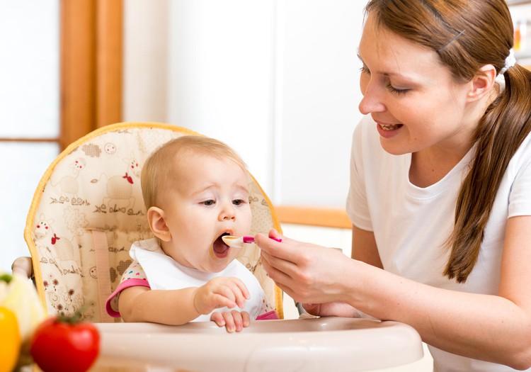 FOTO konkursas: Laimėk savo mažyliui maitinimo kėdutę!
