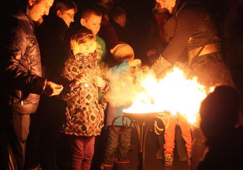 Mažuosius ligonius su pavasariu sveikino įspūdingu ugnies šou