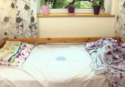 Ką daryti, jeigu į lovą šlapinasi mokyklinukas?
