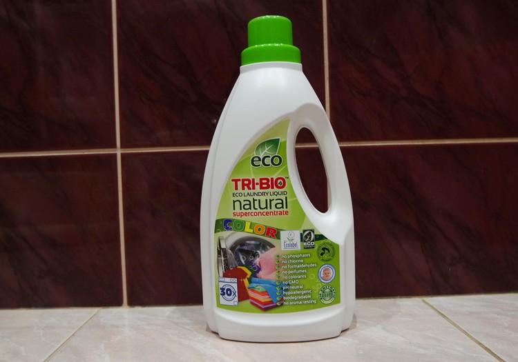 TRI-BIO švaros priemonių apžvalga. Pirma dalis - skystas eko skalbiklis spalvotiems audiniams