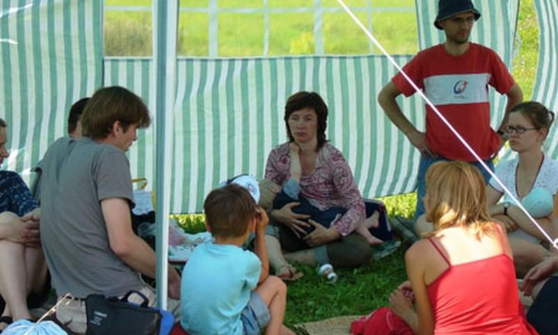 Maitinančių mamų ir visų šeimų vasaros stovykla