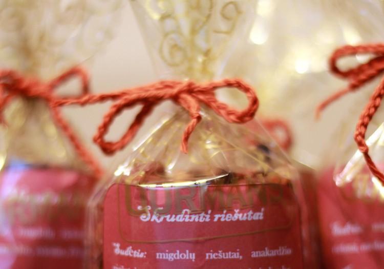 Rankų darbo dovanėlės: Skrudinti aštrūs arba saldūs riešutukai