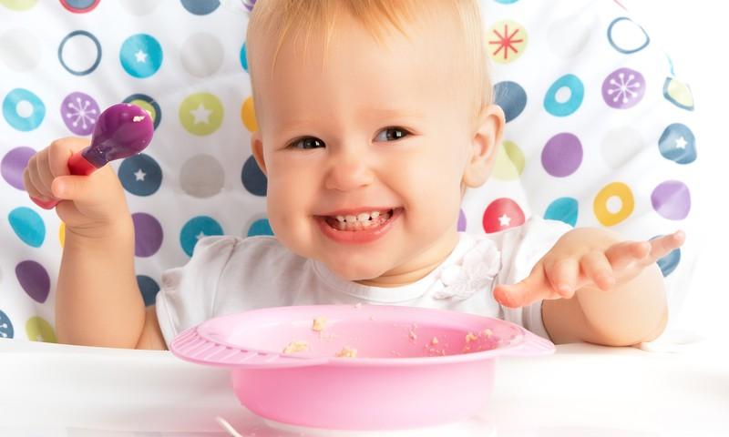 Mitai ir tiesa apie mažylių mitybą