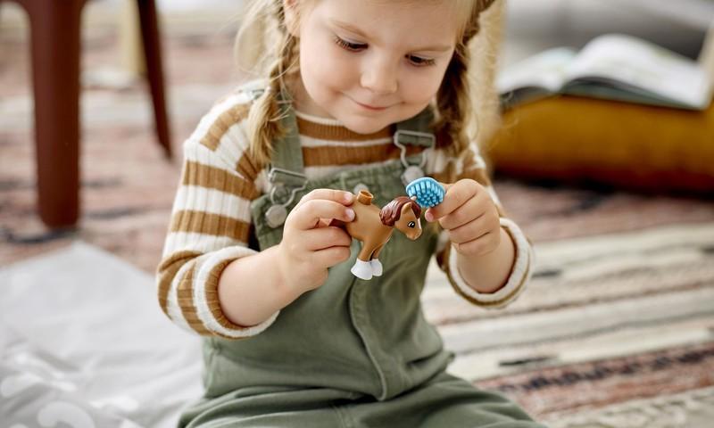 Kaip ugdyti vaiko pasitikėjimą savimi? Geriausias būdas – linksmai žaidžiant!