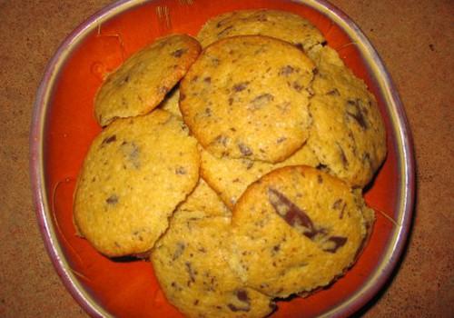Burnoje tirpstantys sausainiai su šokolado gabaliukais