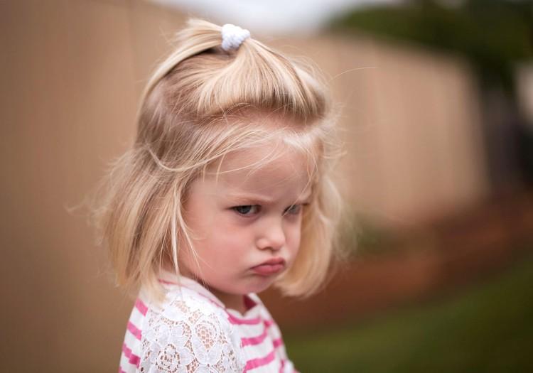 Ar vaikas tyčia rodo ožius ir savo impulsyviais norais erzina tėvus?