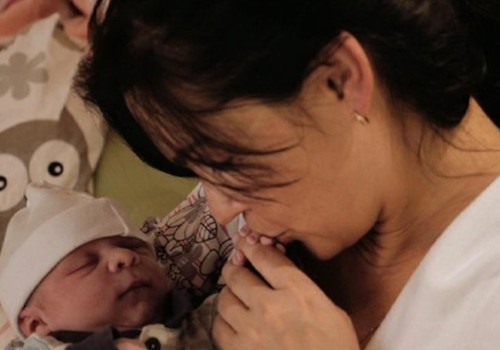 Teismas nusprendė: gimdyti namuose NEDRAUDŽIAMA