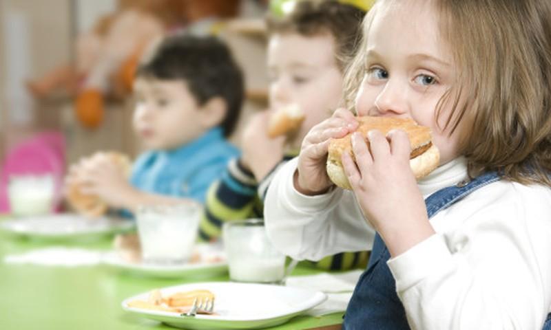 Kodėl Lietuvoje daugėja nutukusių vaikų?