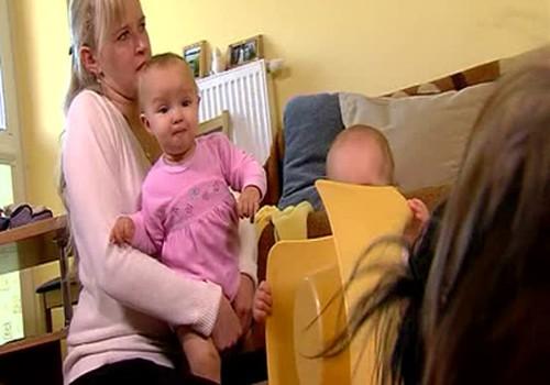 Kaip Aurėja ir Gabrielė mokėsi sėdėjimo ant puoduko meno...