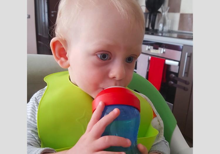 """Philips Avent puodelis sūnui atstoja """"kramtuką"""""""