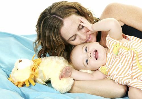 Psichologė: Vienerių metų mažyliai negeba reaguoti į draudimus