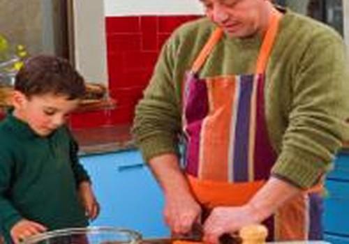 Ar įtraukti vaikus į namų ruošą?