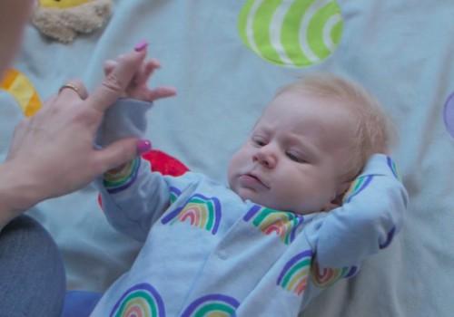 VIDEO: Viskas apie mažylio vystymąsį trečiąjį mėnesį